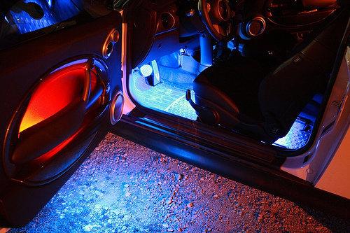 Jälkiasennettavat Philips X-tremeUltinon LED ‑polttimot mahdollistavat autoille entistä kirkkaamman ja tehokkaamman valon